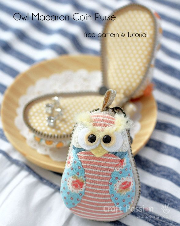 Free pattern and tutorial on how to sew a Owl Macaron Coin Purse.   Pinned by www.myowlbarn.com