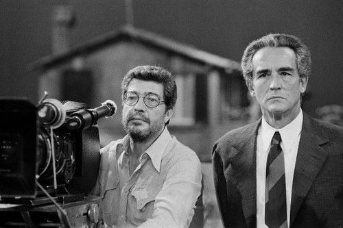 Ettore Scola and Vittorio Gassman on the set of La Terrazza (1980 ...