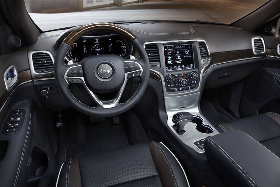 2013 jeep srt interior