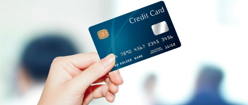 Arnaque A La Carte Bleue Plus De 100 000 Euros Empoches Par Des