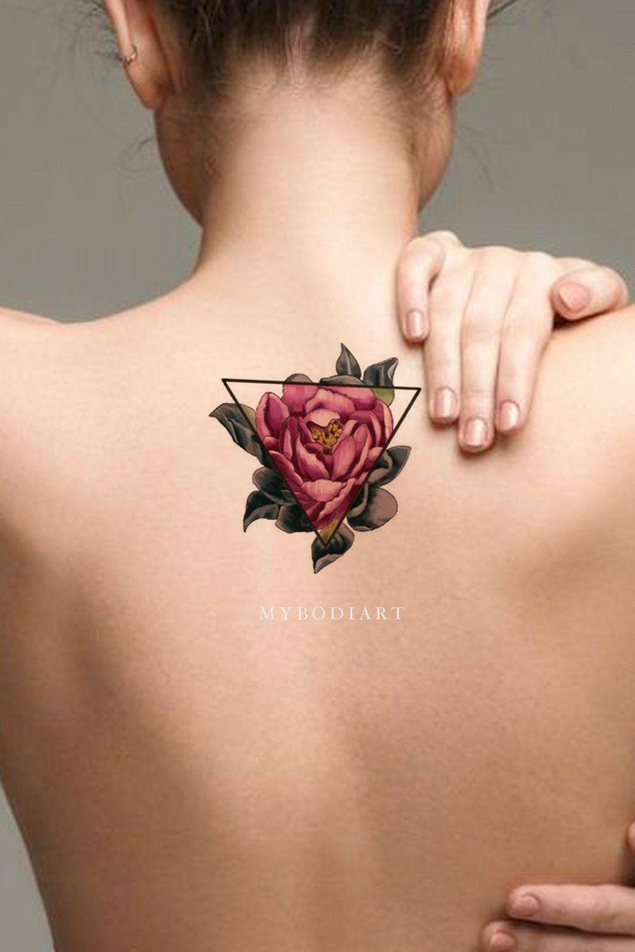 Tatuaje Rosa Y Geometria Tatuaje De Flores En La Espalda Tatuajes Hermosos Tatuajes