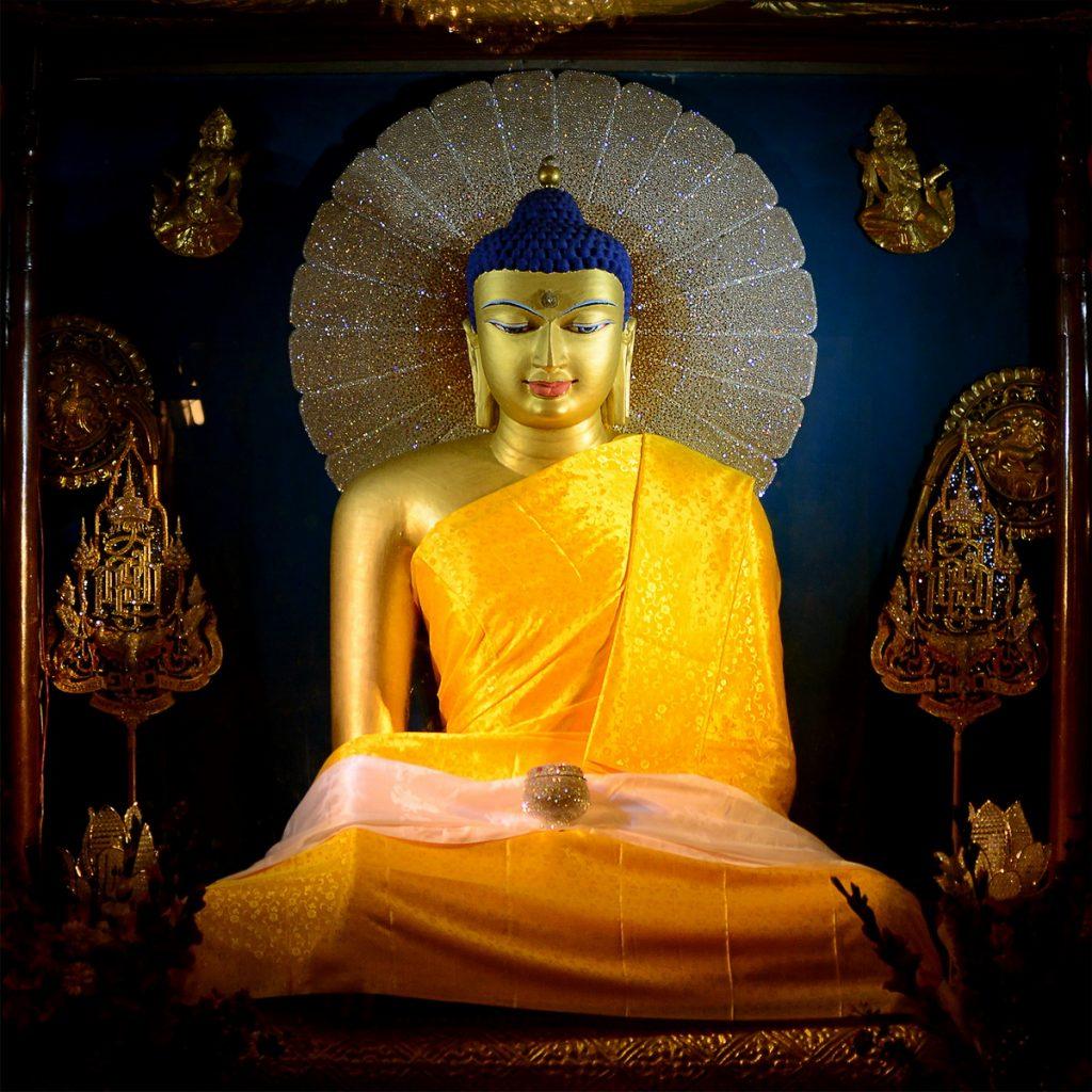 ปักพินโดย Portrait art yaovapasaijun ใน Buddha ศาสนาพุทธ