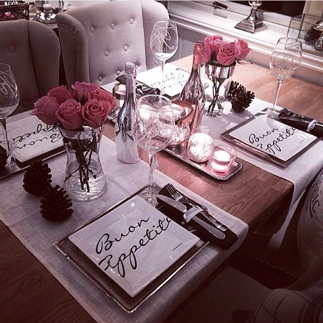 Simple Ideas On The Dining Room Table Decor: Classy Romantic Chic Little Set Up For The Dining Table It