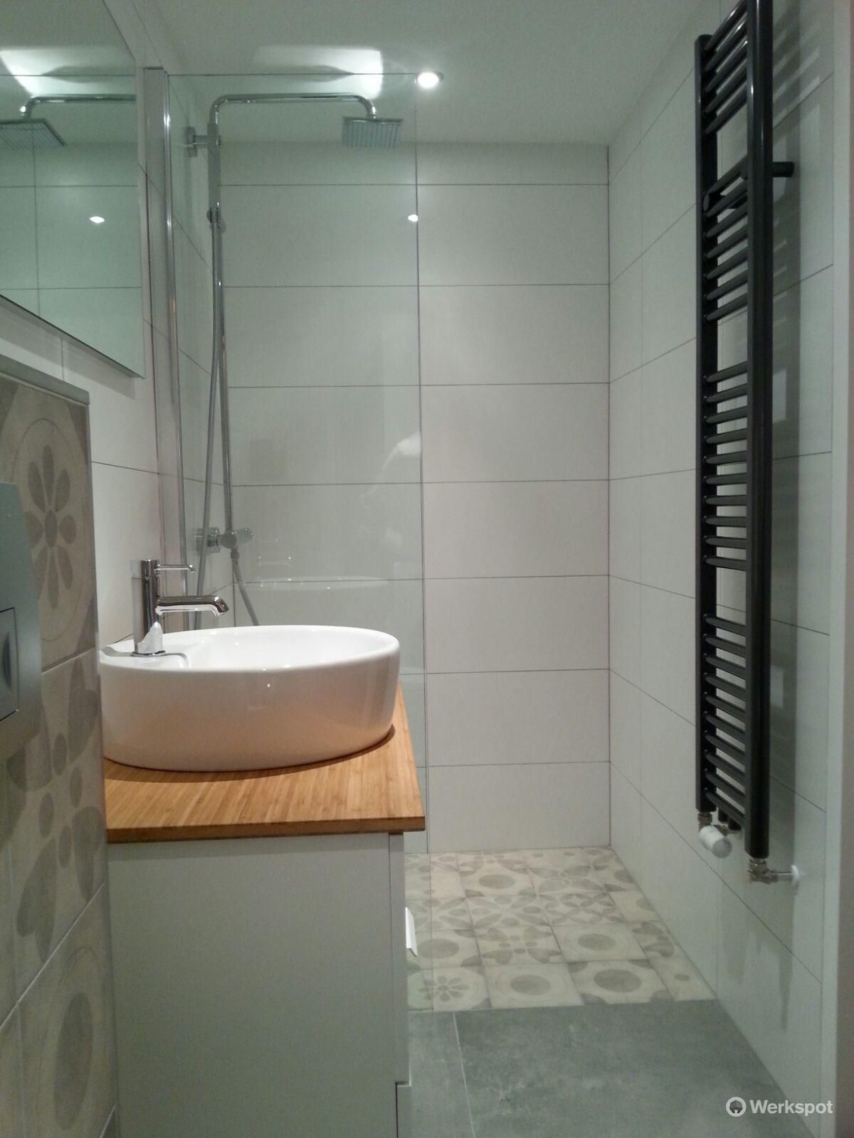 Renovatie kleine badkamer (3,70L*1,20B*2,60H) - Werkspot | Badkamer ...