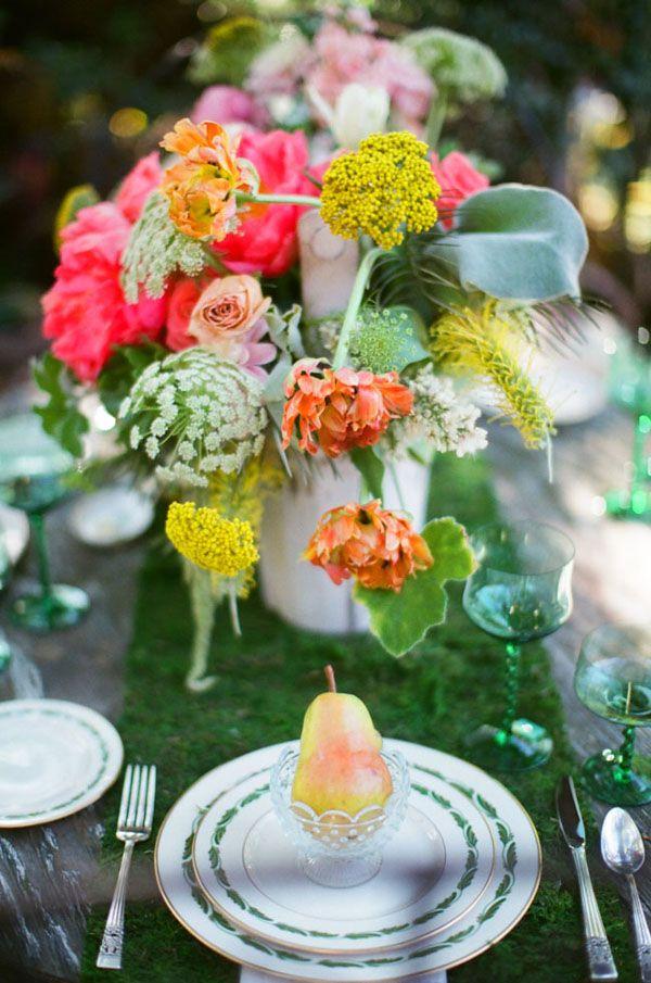 Vintage Garden Wedding Ideas   Vintage gardening, Garden weddings ...