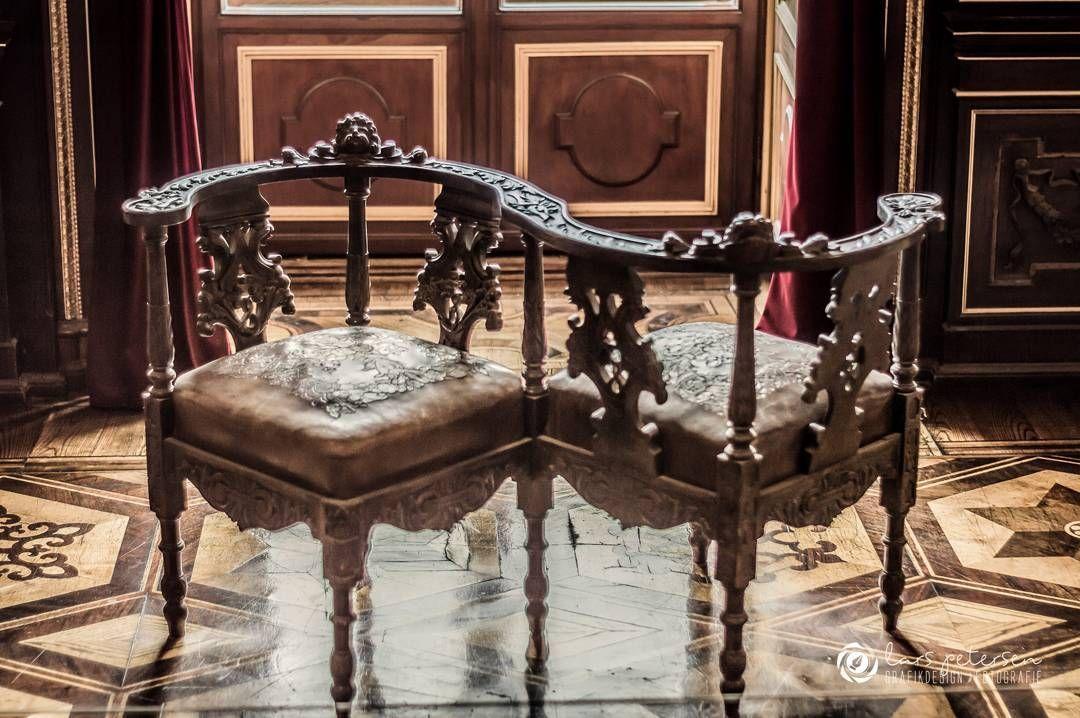 Doppel Sessel Aus Dem 17 Jahrhundert Im Speisezimmer Des Schweriner