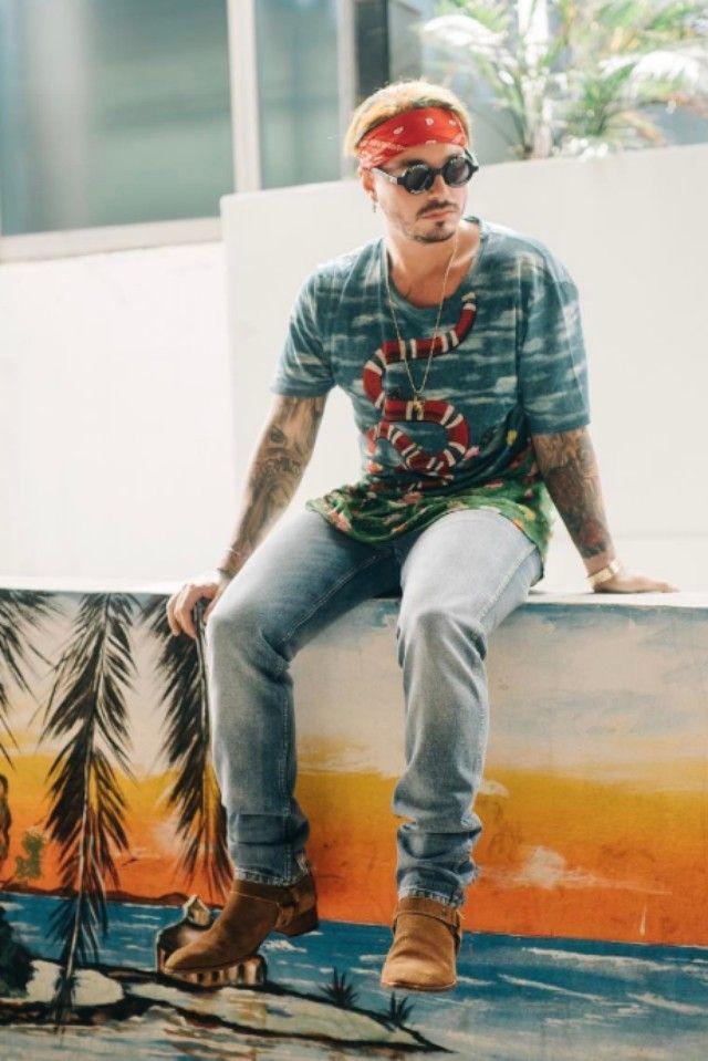 6dc7ddad11d J Balvin wearing Gucci Snake Print T Shirt