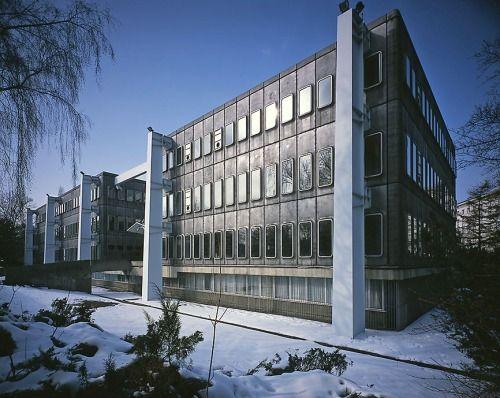 archivemodernarchitecture:French Embassy, Warsaw, Poland, 2003. © Nicolas Grospierresource