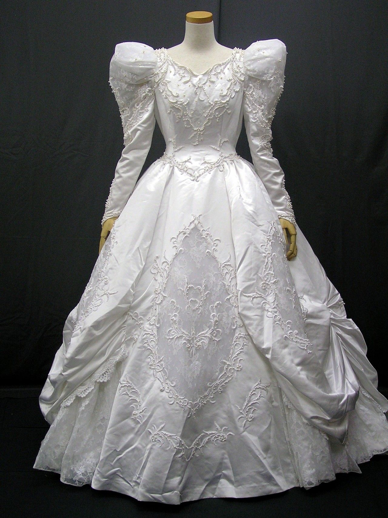dball ~ dress ballgown | jurken | Pinterest | Brautkleider und Kleider