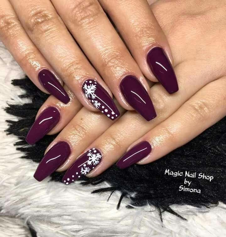Pin by Amalia Comarlau on Craciun | Pinterest | Manicure, Xmas nails ...