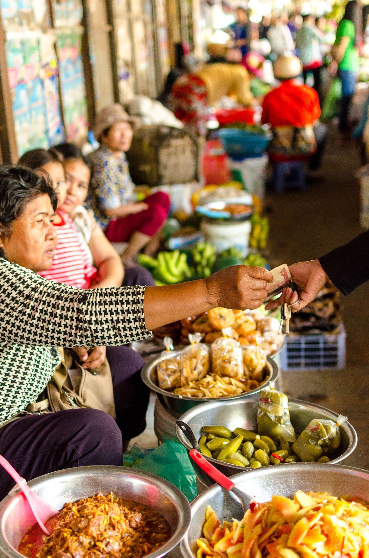 Nel mese di dicembre, a cavallo tra natale e capodanno, abbiamo deciso di rinunciare a un pò di panettone per volare in Cambogia a fare il viaggio zaino in spalla che da tanto sognavamo e aspettava…