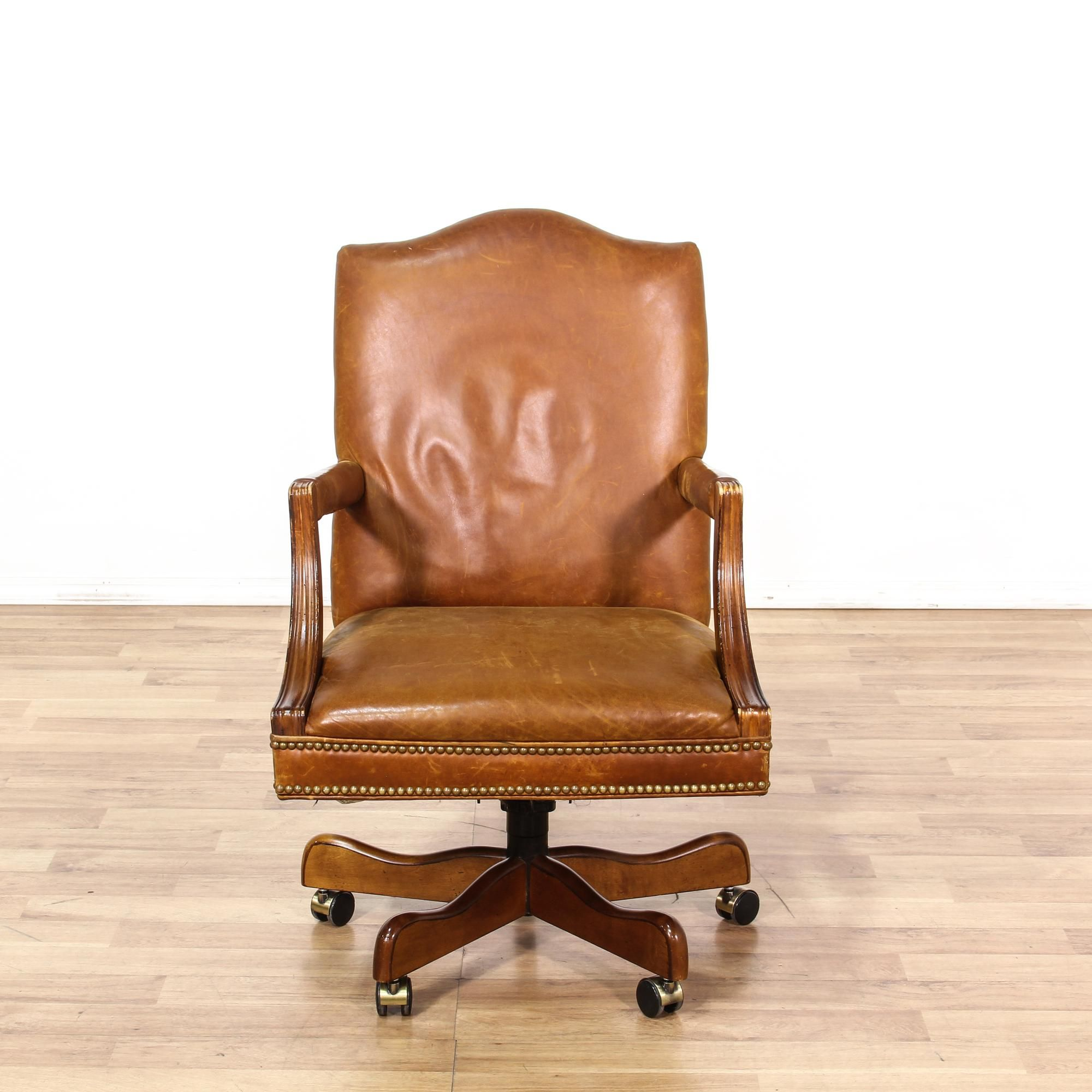 Fine This Office Chair Is Featured In A Buttery Soft Brown Short Links Chair Design For Home Short Linksinfo
