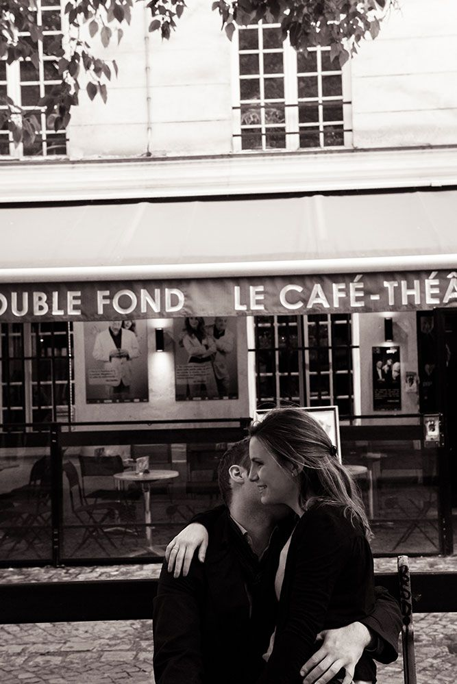 Loving couple portrait and  French cafe by TripShooter Paris photographer Jade Maitre.