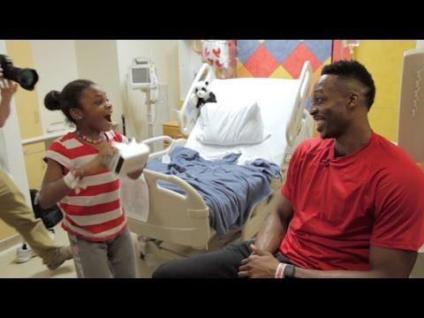 Dwight Howard surprises kids in hospital with Google