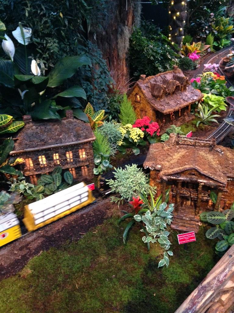 Minature recreations of Bartow-Pell Mansion Museum, Morris Jumel Museum and Alice Austen House at the New York Botanical Gardens' Holiday Train Show 2014