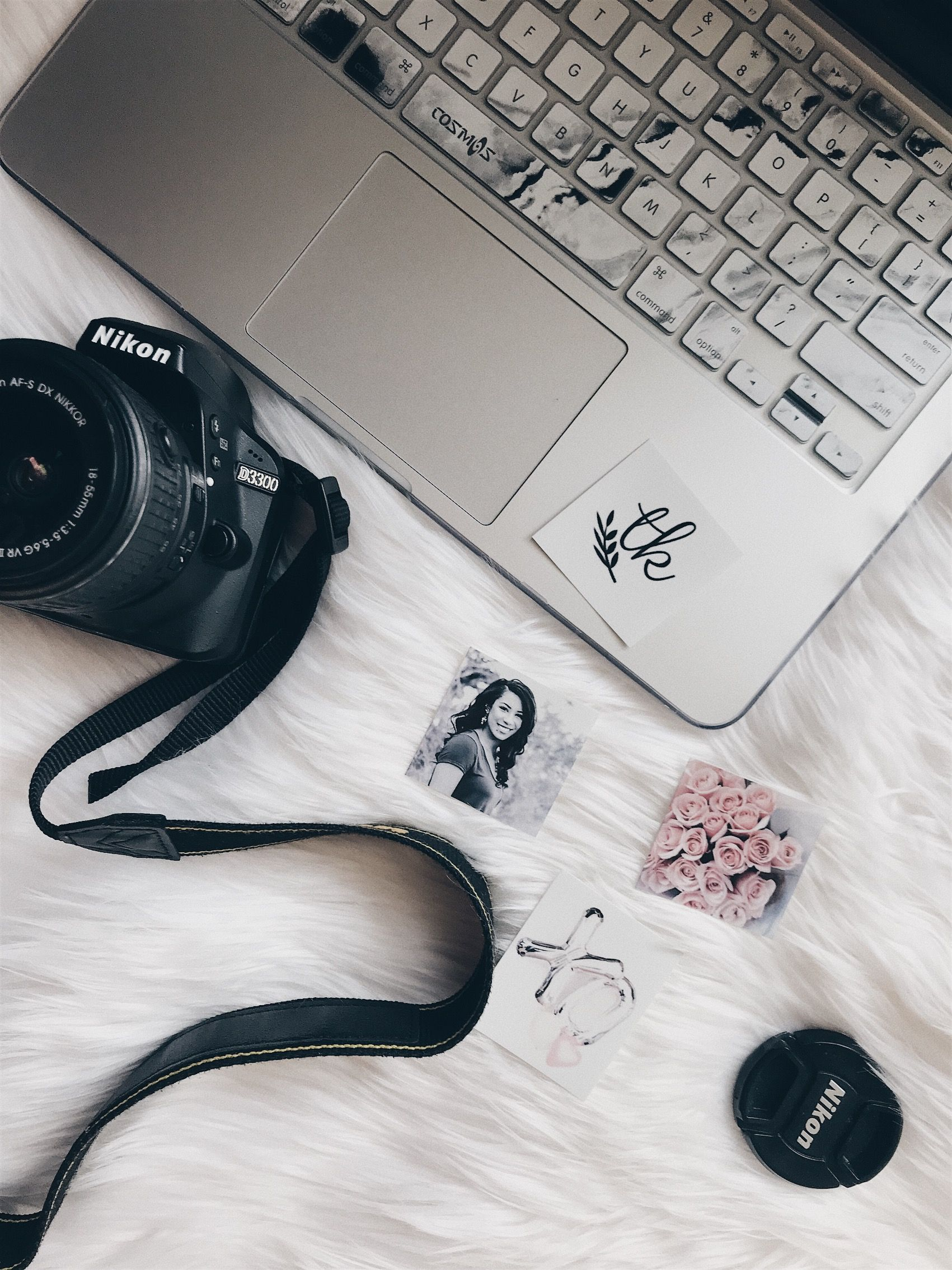 Flat lay photography fur rug Nikon D3300 MacBook iPhone photography vscocam Blogging 101 Pinterest