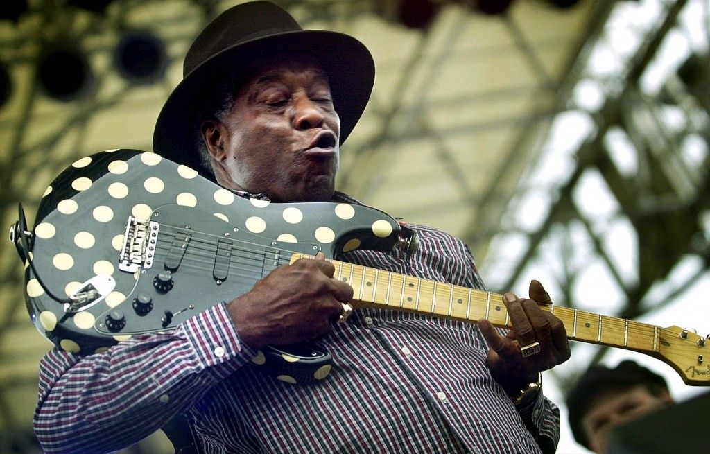 Blues Master Buddy Guy And His Polka Dot Fender Stratocaster Buddy Guy Blues Music Music Photo