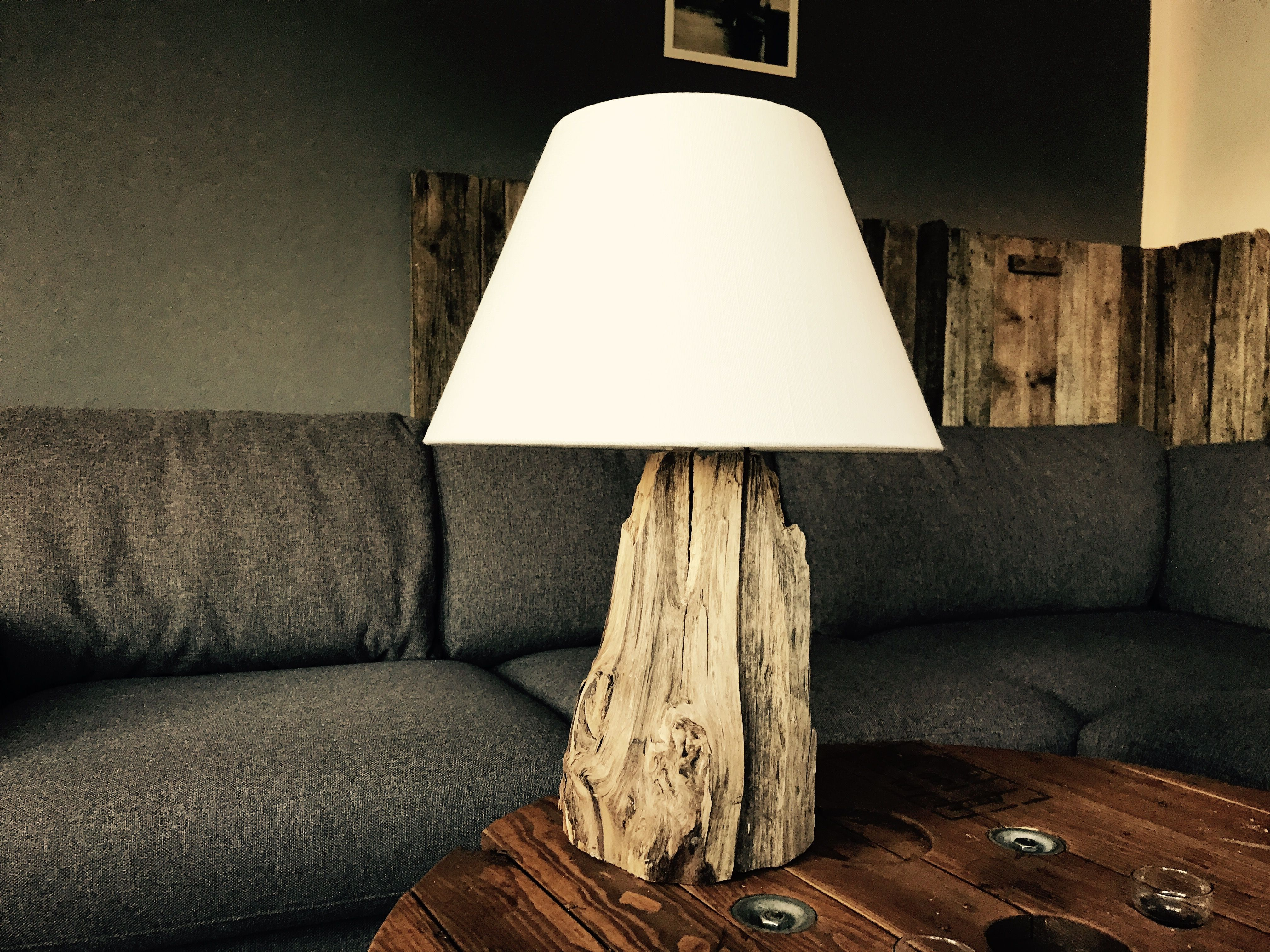 diy schwemmholz lampe tischlampe treibholz schwemmholz driftwood pinterest schwemmholz. Black Bedroom Furniture Sets. Home Design Ideas