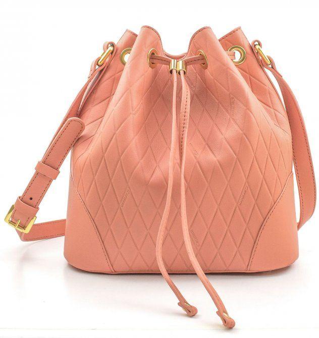 af61cc68b Bolsa saco de couro Elaine Carmim peach - Carmim Store - R$ 447,50 ...