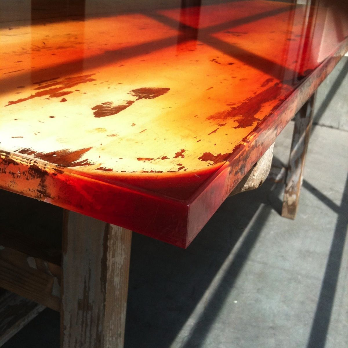 Flat Tables | Schemata Architects / Jo Nagasaka (A thick colored