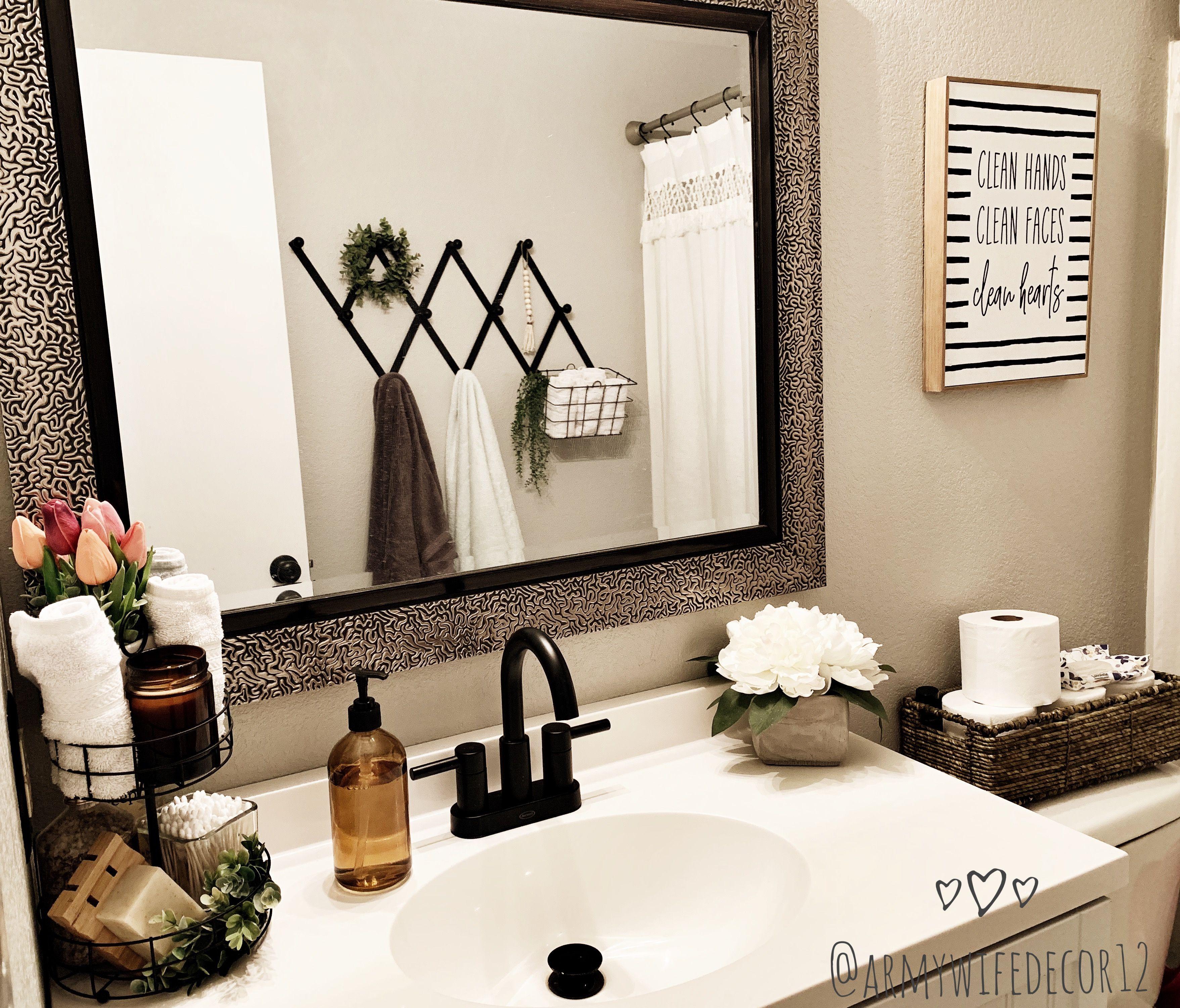 Towel Rack Idea For Guest Bathroom Towel Rack Bathroom Towel Rack Bathroom Towels Bathroom hand towel ideas