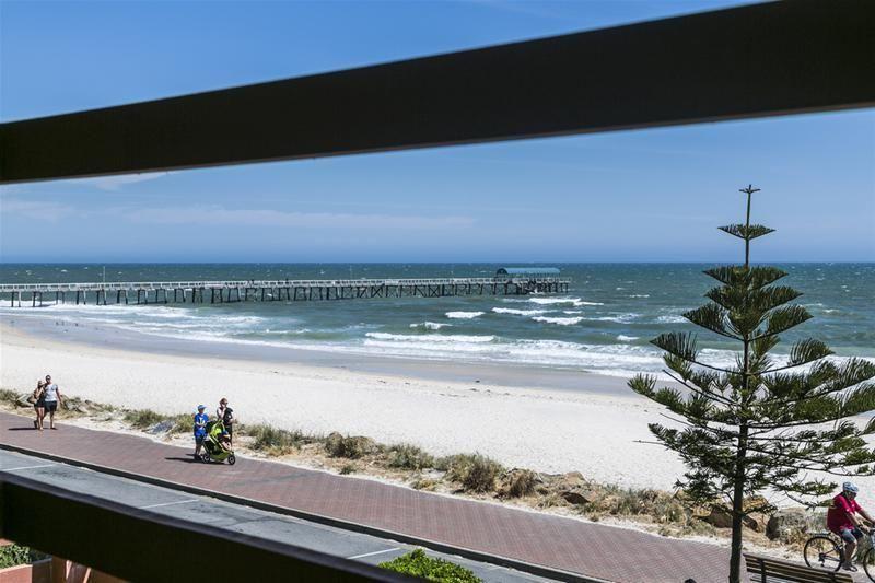 #HenleyBeach, #SouthAustralia
