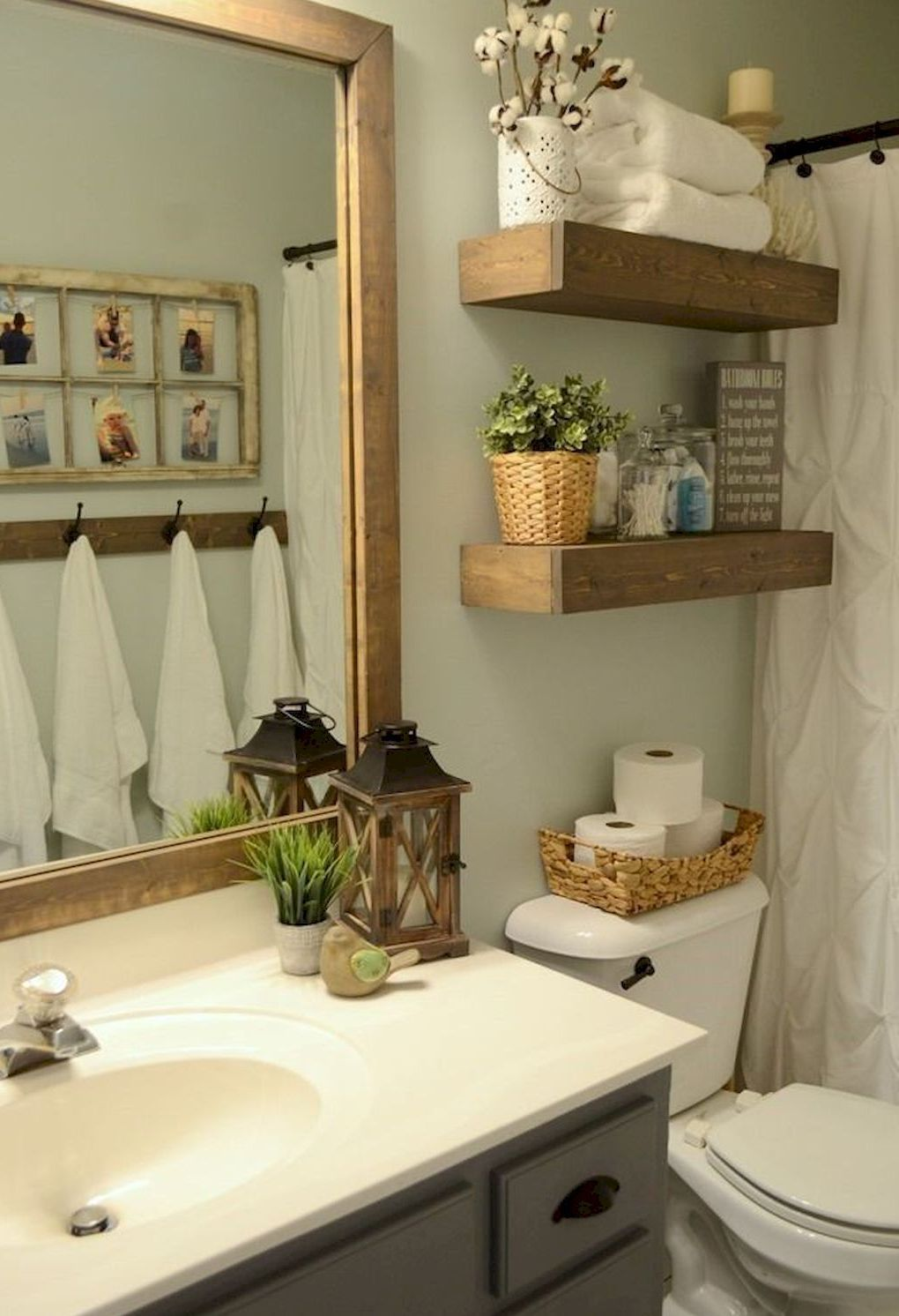 Decorative Rustic Storage Projects For Your Bathroom: Nice 60 Rustic Farmhouse Small Bathroom Remodel And Decor Ideas #Bathroom #farmhouse #ideas