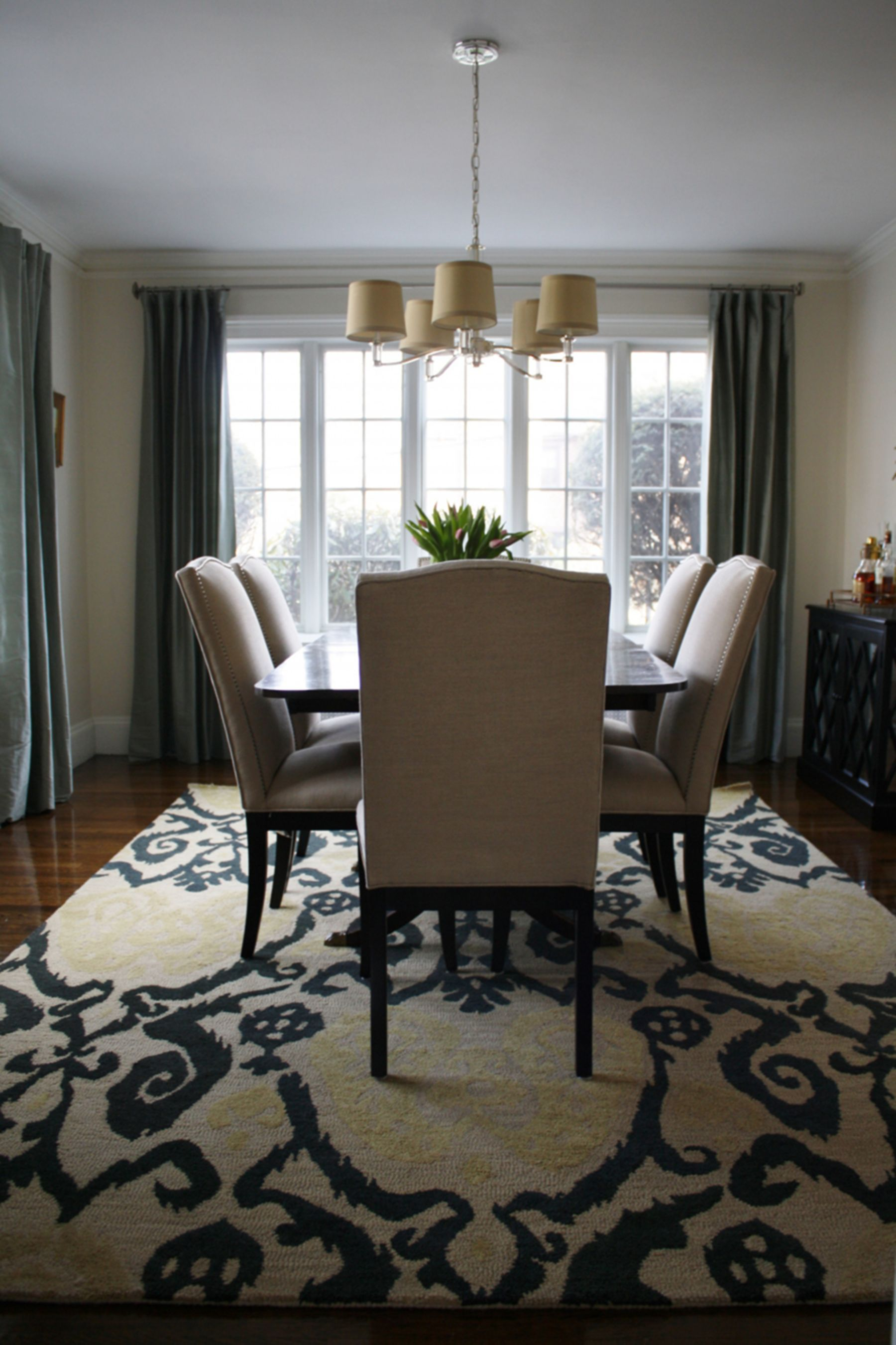 20 Top And Fantastic Modern Rugs Ideas That Will Make Your Dining Room Beautiful Area Rug Dining Room Dining Room Rug Carpet Dining Room