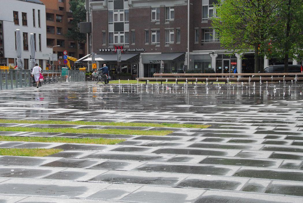 De Heuvel Tilburg square.jpg