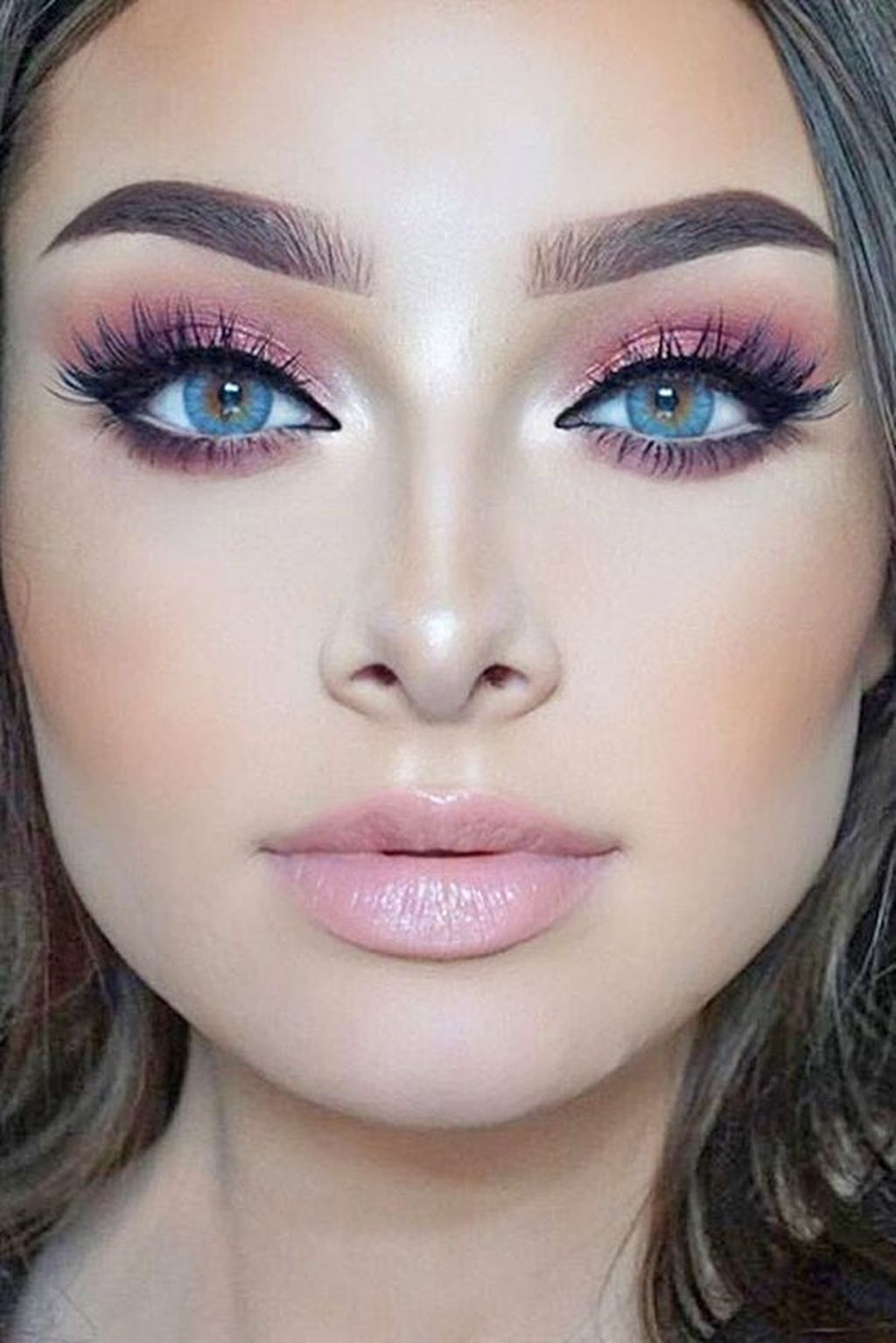 Pin By Leanne Pearce On Eye Makeup Ideas Gold Makeup Looks Pink