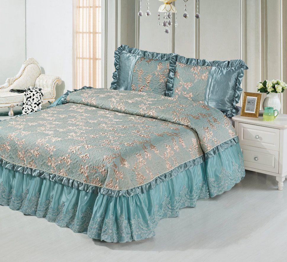 покрывало фото на кровати