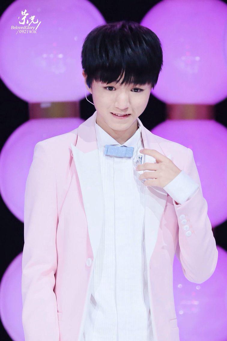 Too cute! #wangjunkai #karrywang #TFBOYS王俊凯 #王俊凯