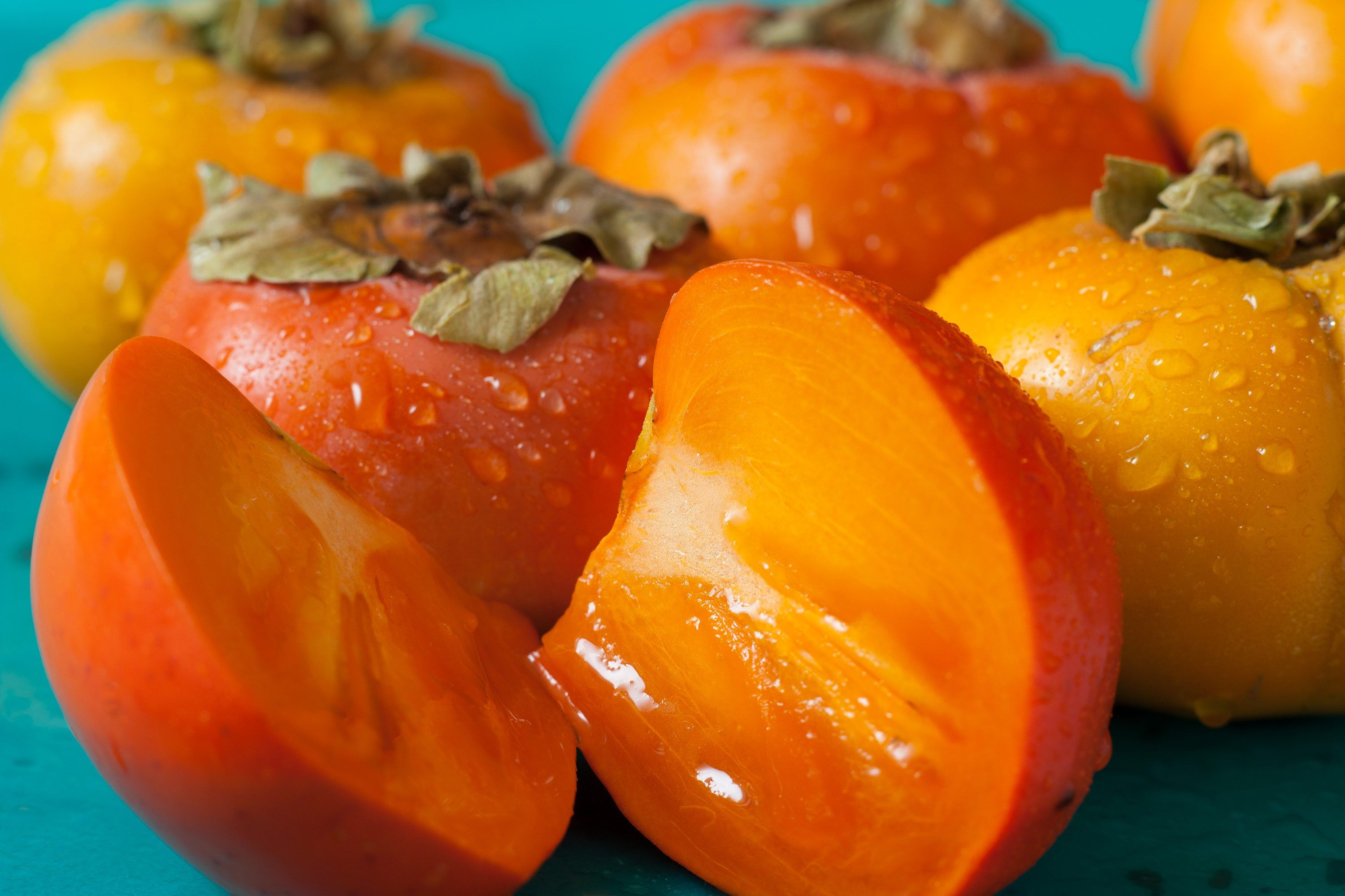 Persimmons are most often eaten fresh, according to the Hawaii University Extension's website, but many recipes like persimmon jam, persimmon pudding and persimmon cookies call for persimmon pulp. Although the persimmon grows on a tree, it is considered a berry. Depending on the variety, persimmons can weigh a few ounces or more than a pound. …