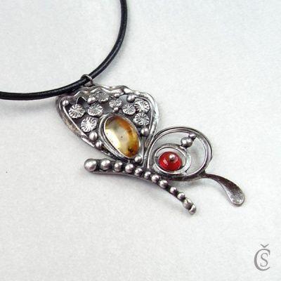 ae055080d Motýlek - Jantar, Karneol | Cínované šperky | Pinterest