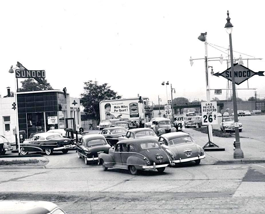 Sunoco Service Station, Los Angeles, 1953 Old gas