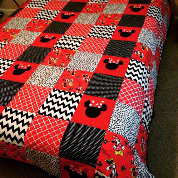 Minnie Mouse Patchwork Quilt Omg Love Love Love Mickey Mouse Quilt Disney Quilt Quilts