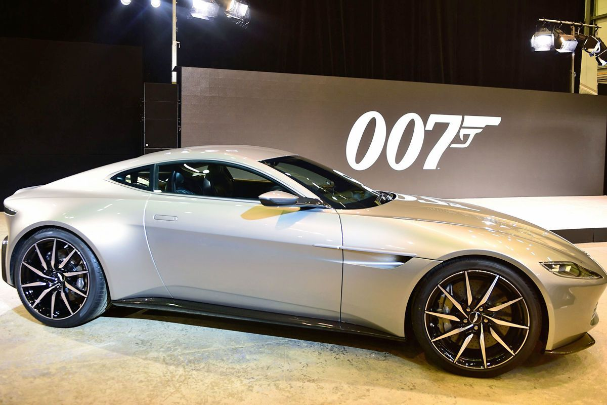 "aston martin db10: james bond ""spectre"" 