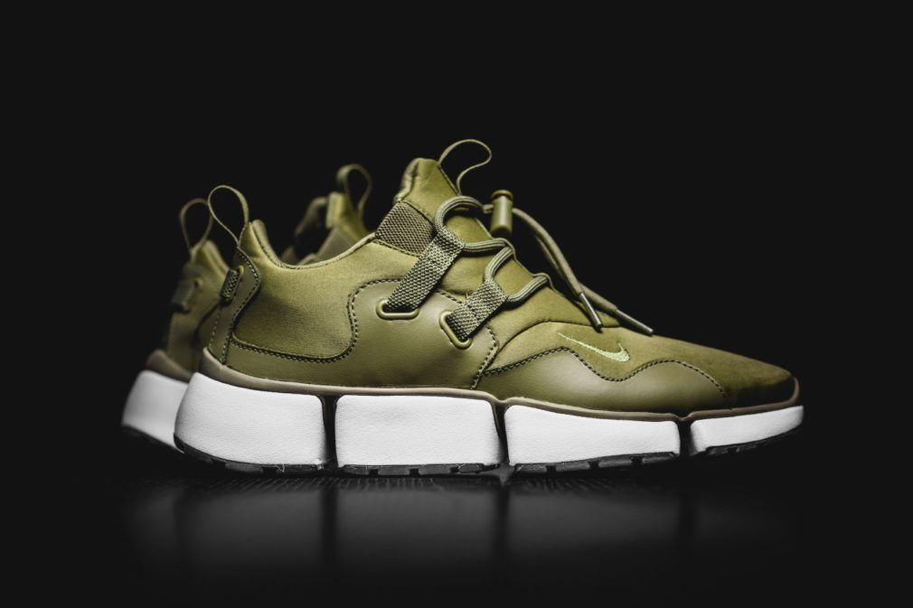 1078aea22129 Nike Pocket Knife DM Trooper Green
