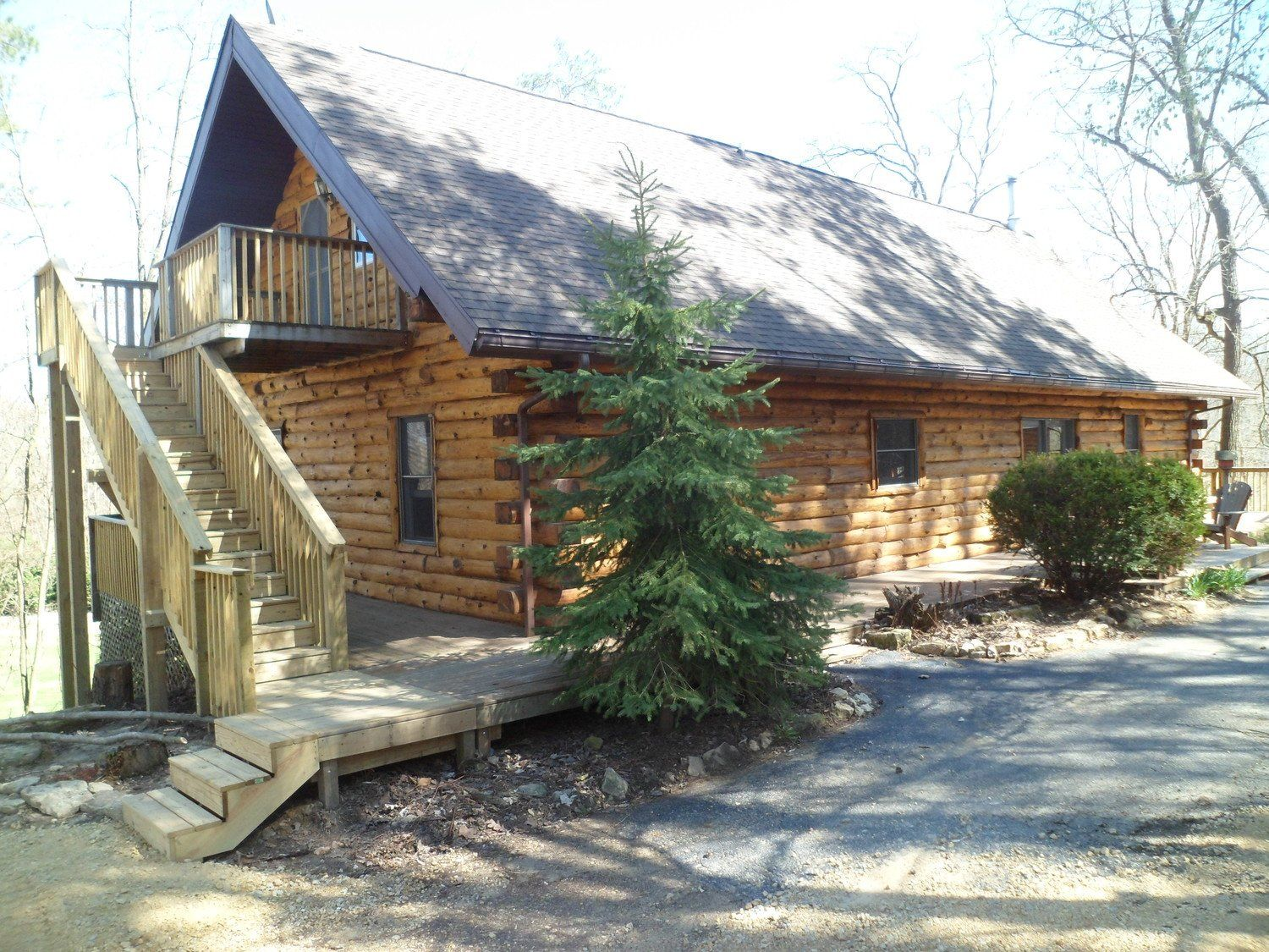 This Log Cabin Retreat In Wisconsin Will Bring Out The Quilter In You Log Cabin Cabin Retreat