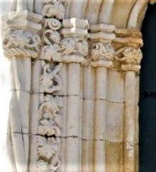 Pormenor Manuelino, Igreja matriz Luz de Tavira, com Cachos de Uvas