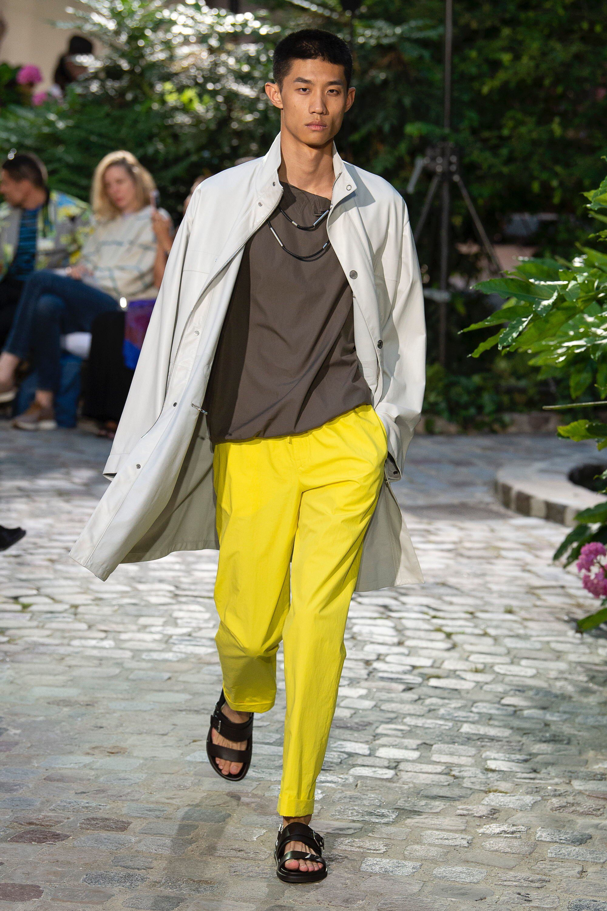 Hermes SpringSummer 2019 RTW Plays With Pops of Colors Fine Tailoring