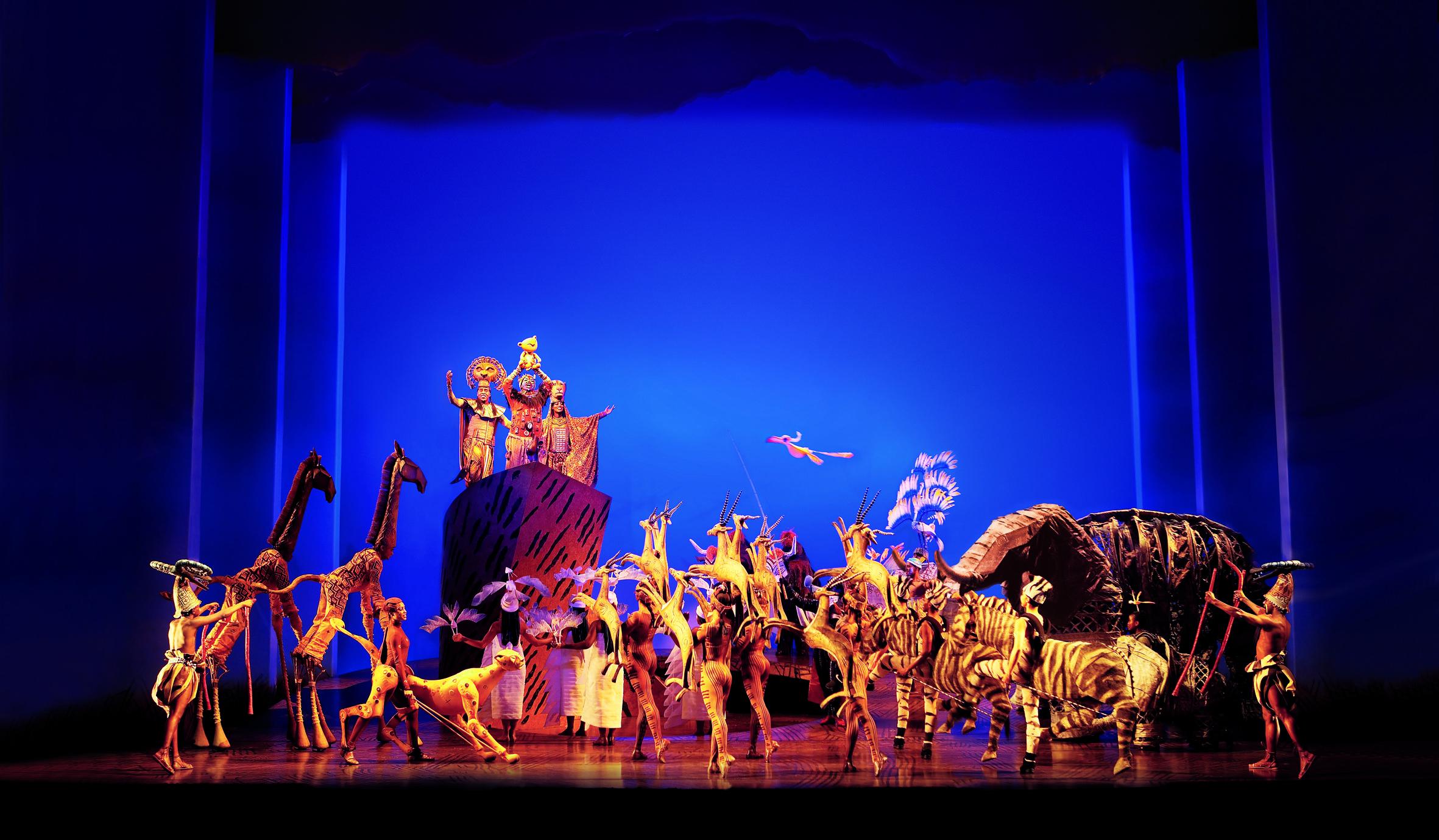 Disneys Der Konig Der Lowen Musical In Hamburg Theater Im Hafen Tickets Karten Und Gutsch Der Konig Der Lowen Musical Konig Der Lowen Musical In Hamburg