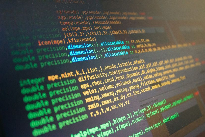 Aprender a programar sin pagar es posible, vuélvete un teso por diversión, desparche o para ejercitar tus habilidades profesionales ¡crea mundos con código!