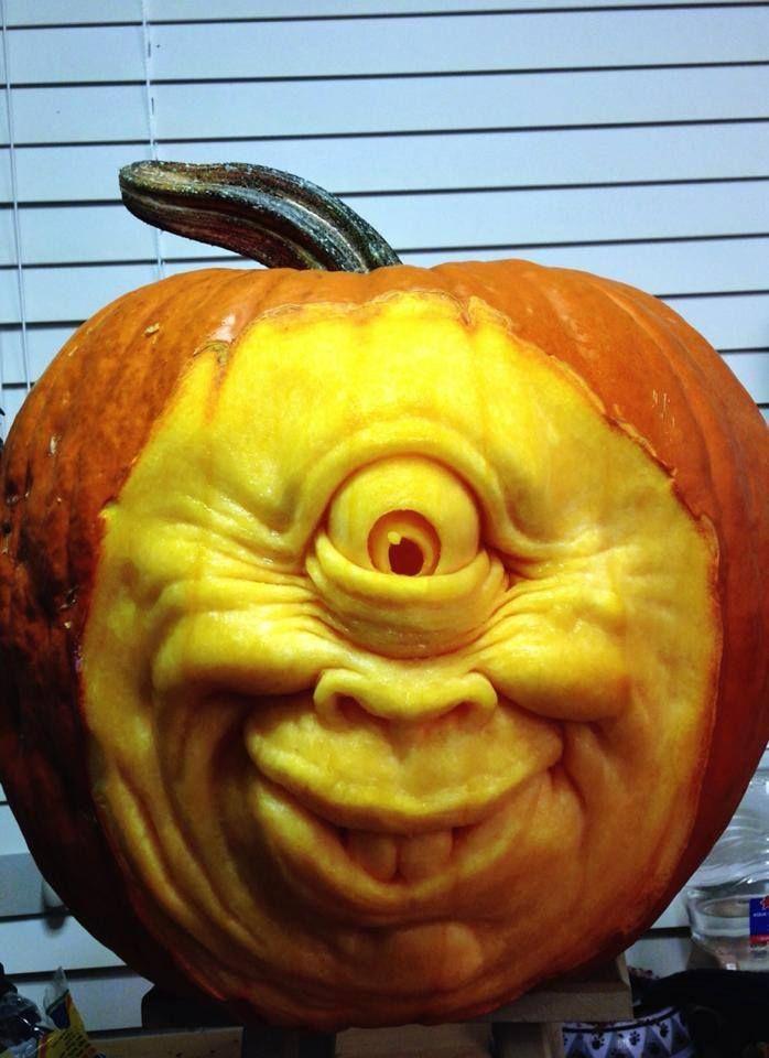 Cyclops pumpkin sculpture carving by ray villafane