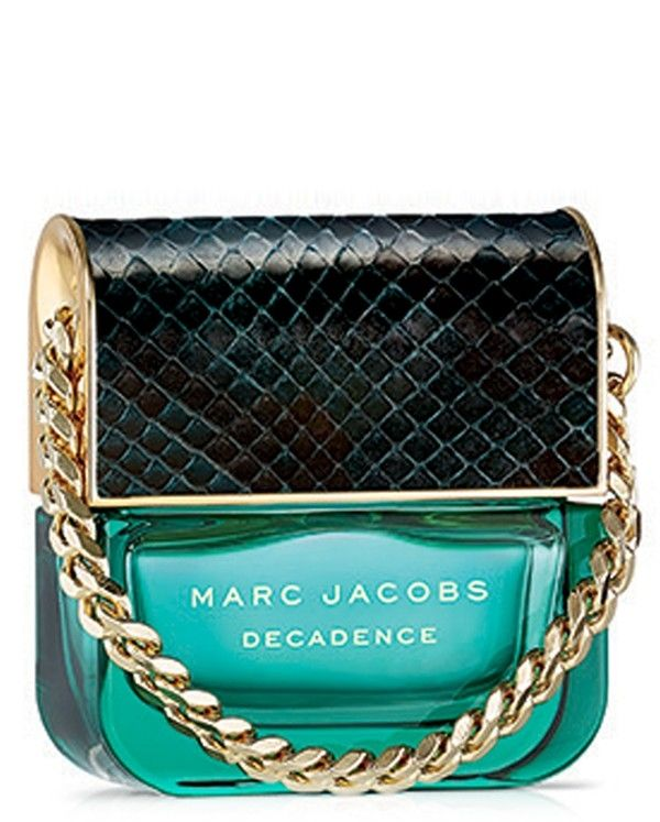 The sensual, woody scent of this Marc Jacobs fragrance opens with sultry top notes of Italian plum, iris flower and saffron in a feminine bottle inspired by an iconic handbag shape.