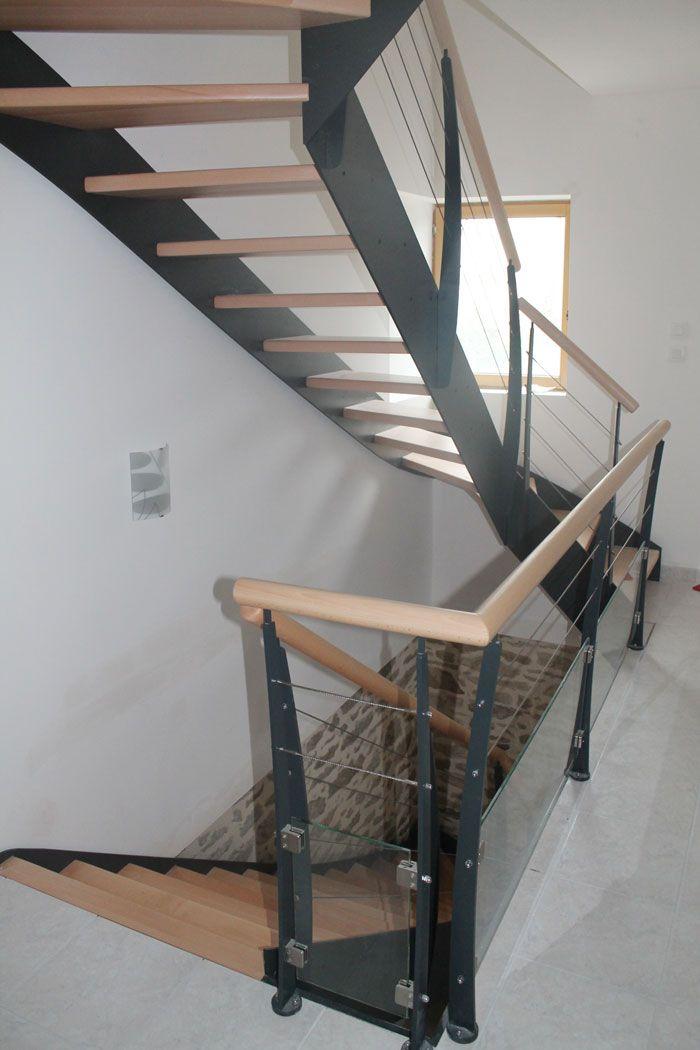 le irus escalier moderne avec un limon classique m tallique escaliers potier escaliers. Black Bedroom Furniture Sets. Home Design Ideas
