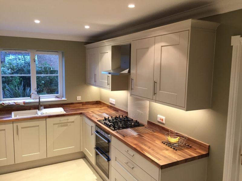 Best Real Kitchens Milton Keynes Walnut Kitchen Kitchen 400 x 300