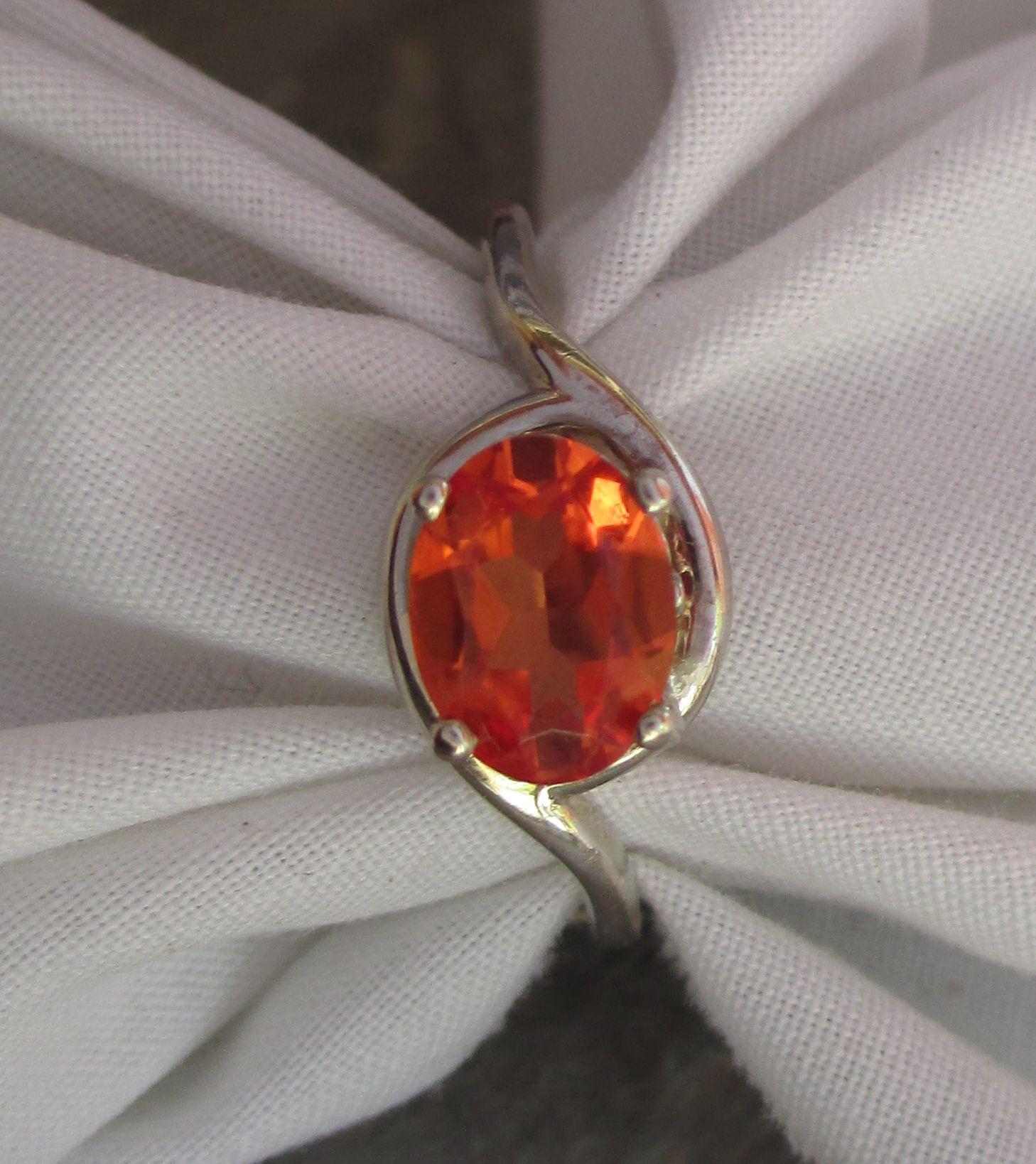 Jen van schmus k white gold ring with labgrown padparadscha