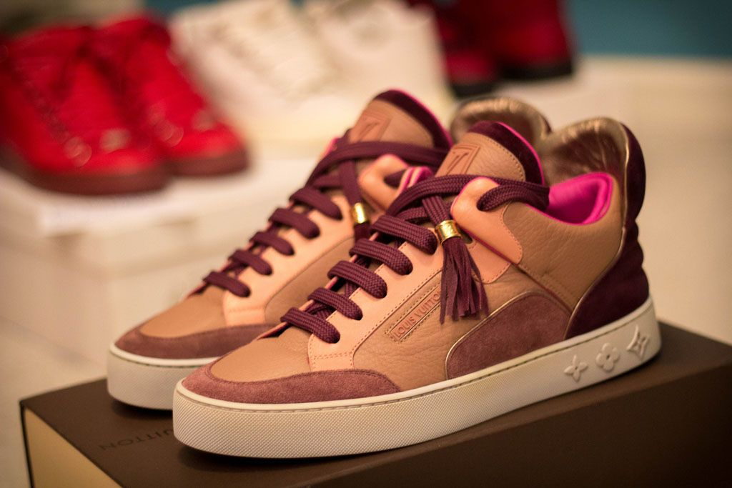 Pin By Brandont On Outfits In 2020 Sneakers Kanye West Lv Sneakers