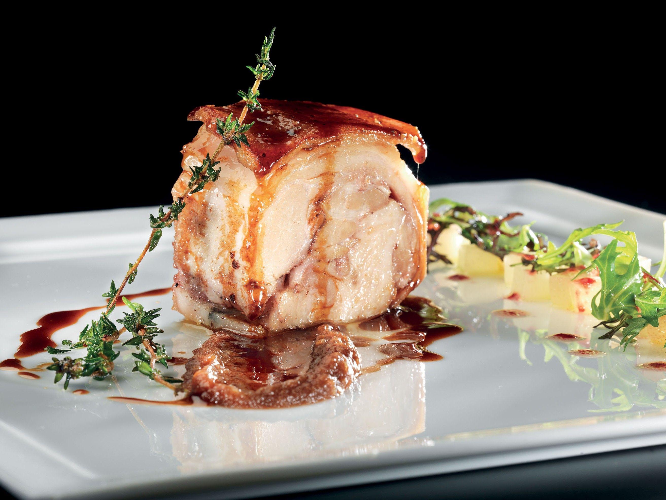 Photo of Orvietano suckling pig puree of dates and pear salad – La …